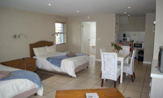 Cape St Francis Resort: Double room