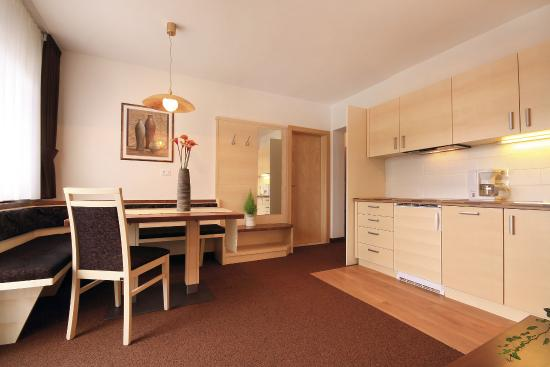 Residence Hirzer: Familienappartement E2