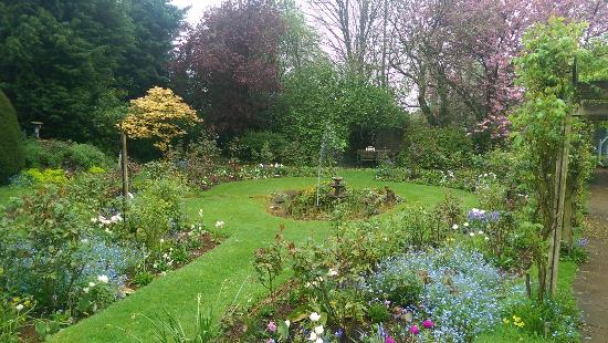 Uplands House: Gardens just starting blossoming. And this is just a small portion of the beautiful grounds.