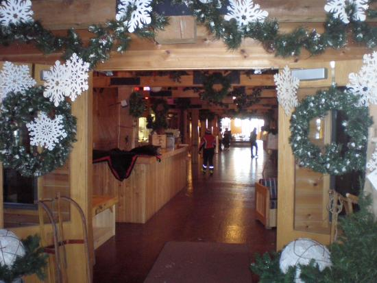 Callaway, MN: Wonderful lodge with dining, space to sit, read, play games, chat plus conference rooms.