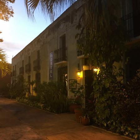 Hostel Candelaria : Hostel enterance