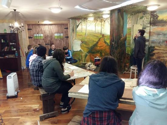 Oldcastle, Ирландия: One of our many workshops in our heritage room, painted By Margaret Mckenna.