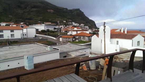 Corvo, Portogallo: Comodoro terrace (garden below is almost ready)👍