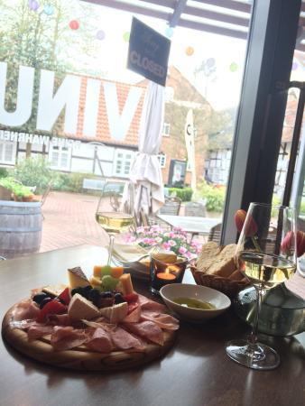 Vinus - Reine Wahrheit - Das Weinlokal in Gutersloh