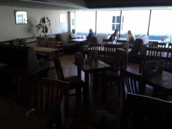 The Carlton Restaurant: The restaurant