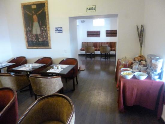 Tierra Viva Cusco Saphi: Tasteful breakfast area.