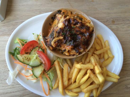 The Carlton Restaurant: Vegetarian Lasagna