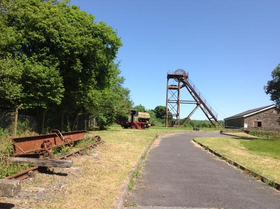Kidwelly, UK: Pit head and rail track