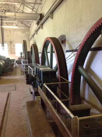 Cog wheels at Kidwelly industrial museum