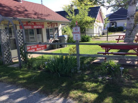 Village Inn Motel: Jays Fish & Chips