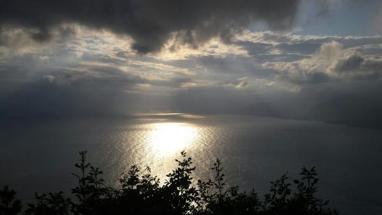 Un tramonto splendido anche con le nuvole