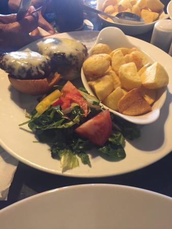 Finin's Restaurant: photo1.jpg