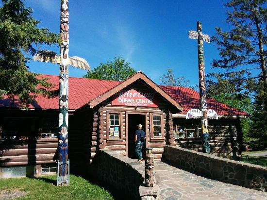 Whetung Ojibwa Art and Crafts Gallery