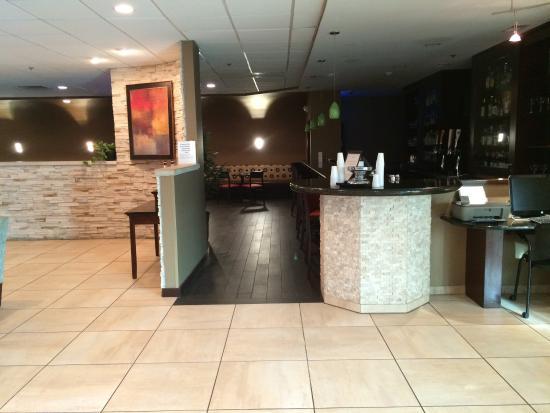 Holiday Inn Bloomington: photo1.jpg