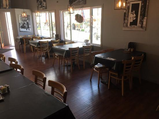 Paoli S Italian Restaurant Indoor Seating