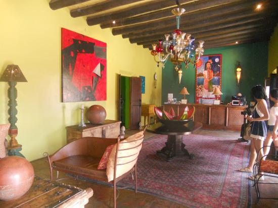 Τόδος Σάντος, Μεξικό: Recepción Hotel California