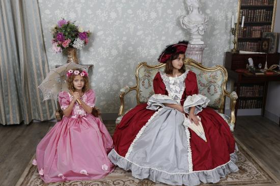 Costumes et chateaux Les princesses.