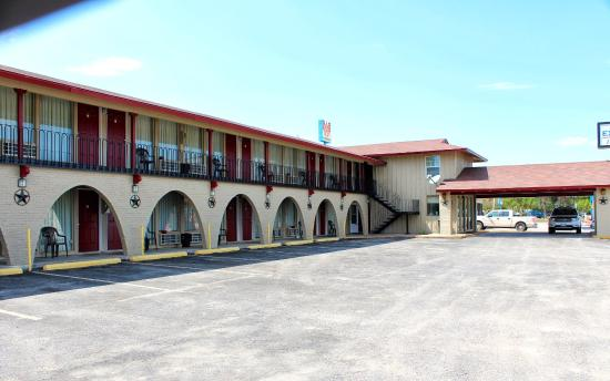 Executive Inn & Suites - Goliad