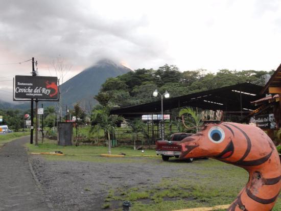 Ceviche del Rey: View of the Volcano