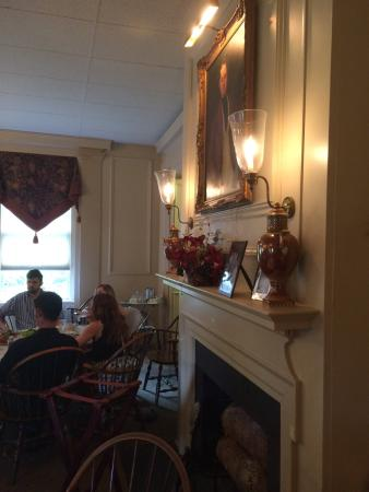 Science Hill Inn Nearly 200 Year Old Property Nestled In The Heart Of Shelbyville