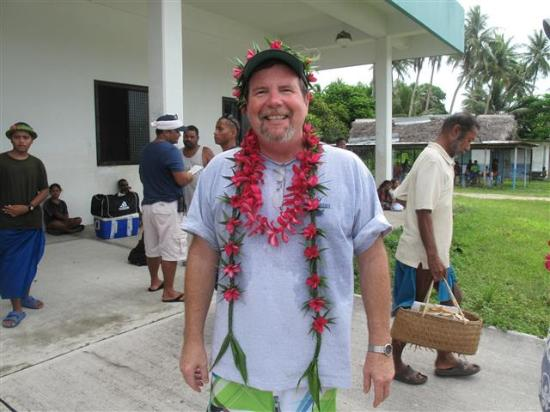 Falalop, Federalne Stany Mikronezji: A warm send off bedecked with floral leis