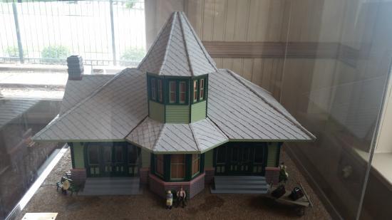 Dickinson Depot Model