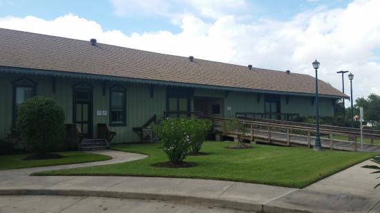 Dickinson, TX: League City Depot