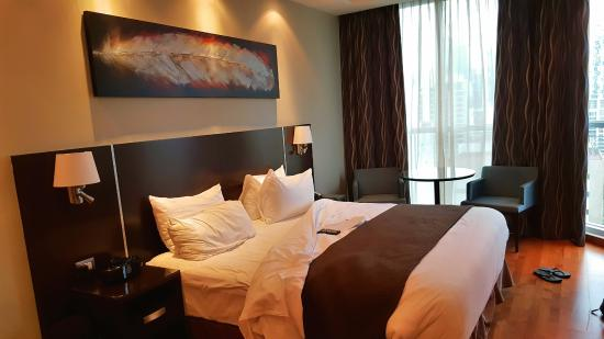 Marriott Executive Apartments Panama City, Finisterre: Master bedroom also has a walk in closet and large bathroom