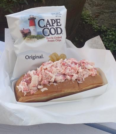 Wayne, เมน: Best Lobster Roll in Maine!