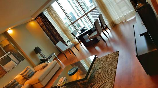 Marriott Executive Apartments Panama City, Finisterre: Living room view