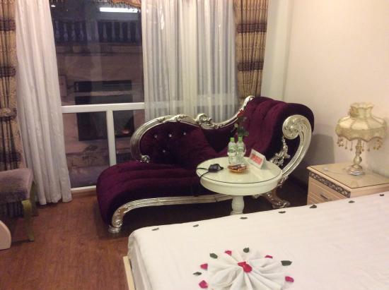 Splendid Star Boutique Hotel: chaise lounge muy dramático