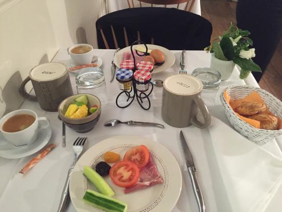 Le Pradey: Breakfast Room