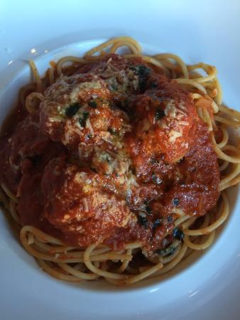 Pane Vino Trattoria & Wine Bar: Spaghetti and meatballs