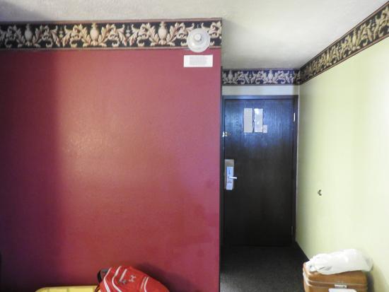 Days Inn & Suites Youngstown / Girard Ohio Photo