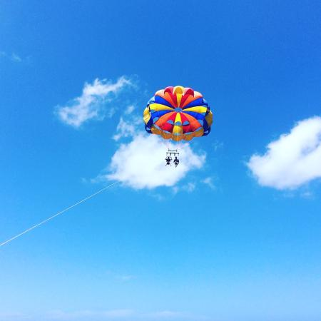Blue Reef Watersports - Parasailing in Cayman Islands