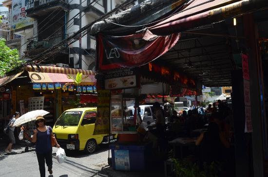 trips road bangkok