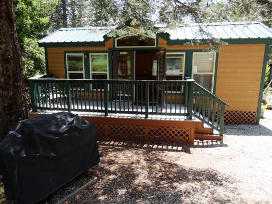 Shingletown, CA: Deluxe Cabin DC4, aka Lodge L4