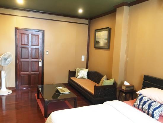 Soi Samsen Villa Guest House Cheap Hotel Bangkok