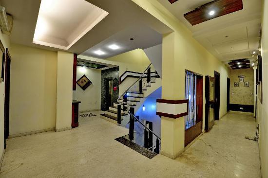 Hotel Star Plaza: Lift Area
