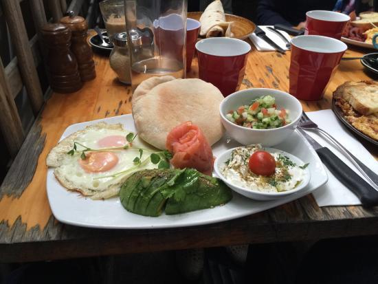 Shenkin Kitchen: Israeli breakfast