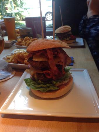 . photo0 jpg   Picture of Beef   Burger  Bochum   TripAdvisor