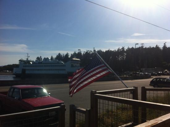 Coupeville, WA: Memorial Day at the Cafe, Ferry Walking Distance