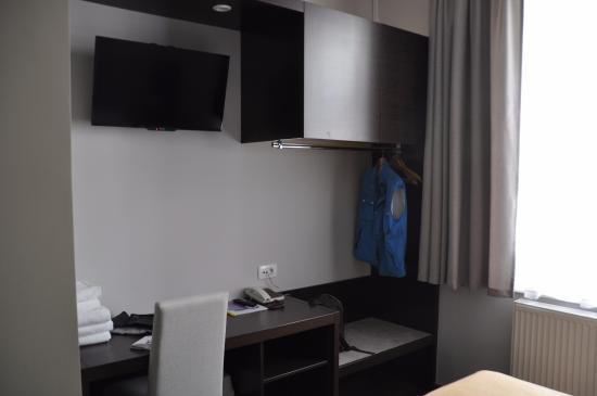 Hotel Emonec: camera letto