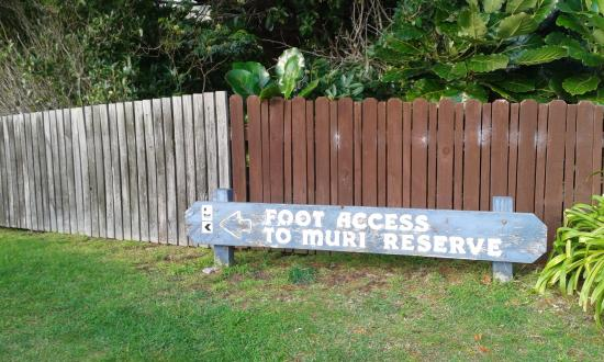 Paekakariki, Nya Zeeland: the Pukerua bay end is badly signposted and can lead into Muri reserve