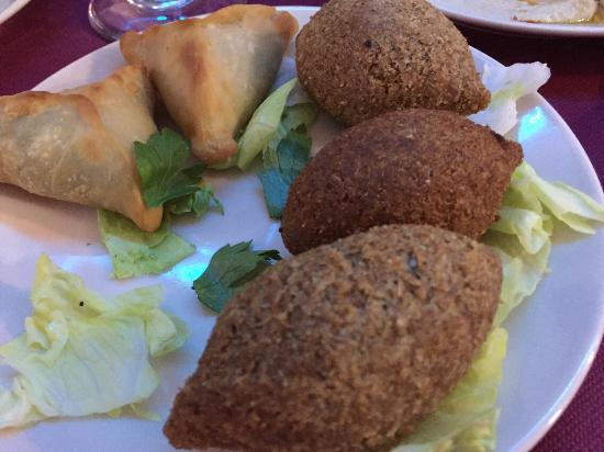 Mislata, İspanya: Empanadillas, croquetas