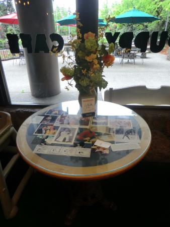 Redwood Empire Ice Arena : Charles Schulz's reserved table