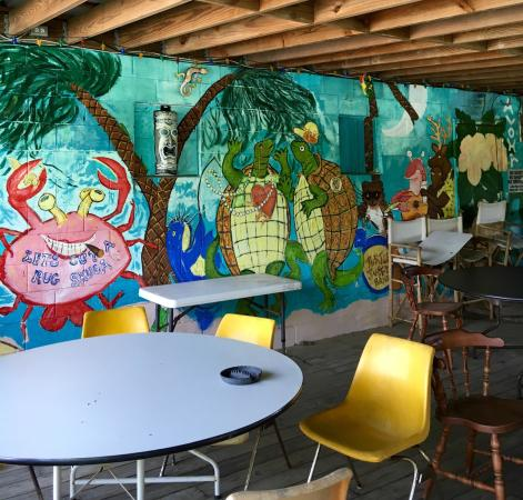 Turtle Landing Bar & Grill: Patio art