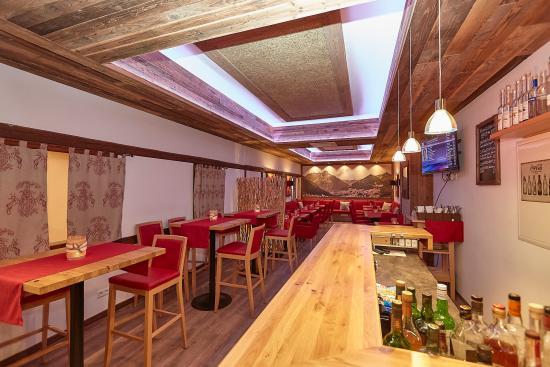 Flair Hotel Am Kamin: Lounge und Sprizzbar