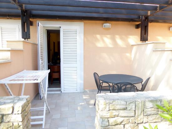 Zaton Holiday Resort: Terrace on 4* Apartment R31