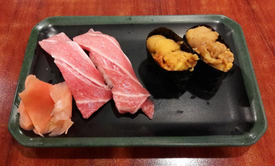 Sakuraya Fish Mart: Melt in the mouth otoro sushi and deliciously sweet and creamy uni sushi :).